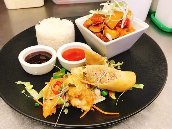 Lunch Tapas Set £13.95 + 1 Free Drink (Beer,Wine, or Soft Drinks).