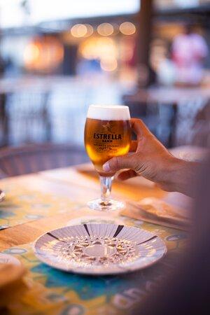Una cerveza fría en Ananda