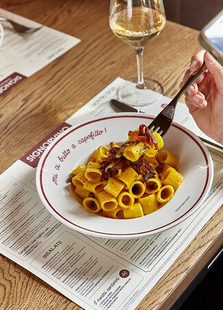 SIGNORVINO Cantina con Cucina