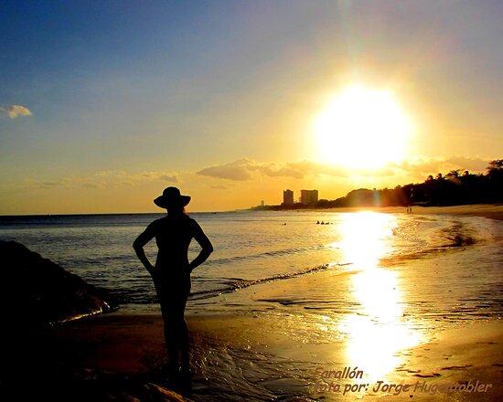 Farallon (Playa Blanca), Panamá: Farallón es una de las playas más hermosas que tiene el litoral Pacífico de Panamá, con unos atardeceres espectaculares / Farallón is one of the most beautiful beaches on the Pacific coast of Panama, with spectacular sunsets / Farallón est l'une des plus belles plages de la côte Pacifique du Panama, avec des couchers de soleil spectaculaires