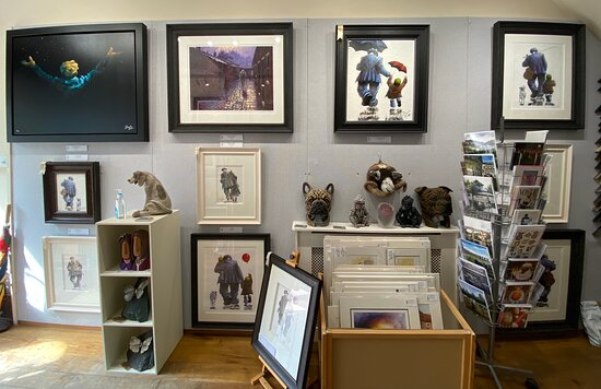 An Exhibition of limited edition prints, pencil sketches and original oil paintings by artist Alexander Millar, available at The Acorn Gallery, Pocklington, Nr York. Delivery available.