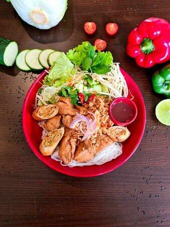 Salade bobun au poulet