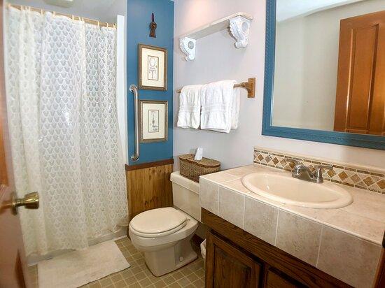 Captain's Room Private Bath