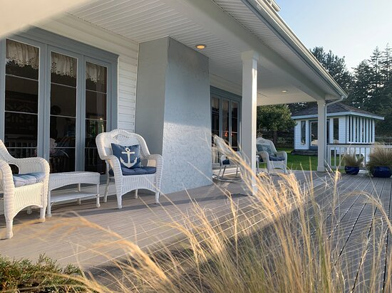 MacKaye Harbor Inn Front Porch