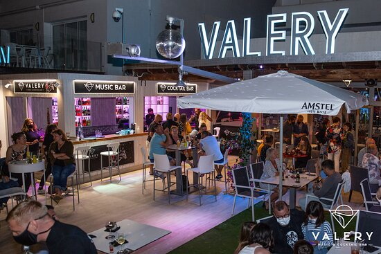 Valery Cocktail & Music Bar