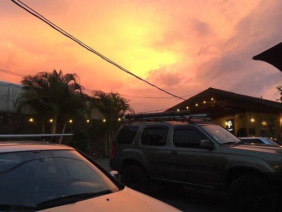 La Fortuna de San Carlos, Costa Rica: Nuestro parqueo privado !!!