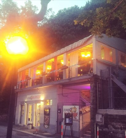 Il nostro pub estivo con terrazza