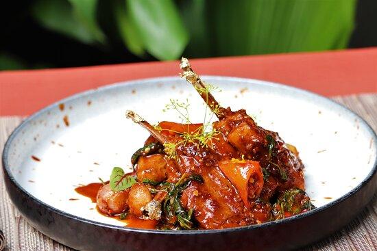 The Tram Restaurant, Pattaya : Stir-Fried New Zealand Lamb Rack  with Chili Paste