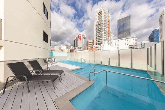 adina apartment hotel perth barrack plaza pool level