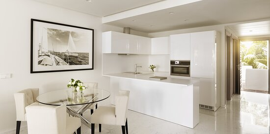 Grand Suite with Kitchen