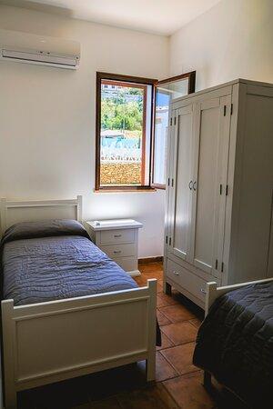 camera da letto appartamento glicine