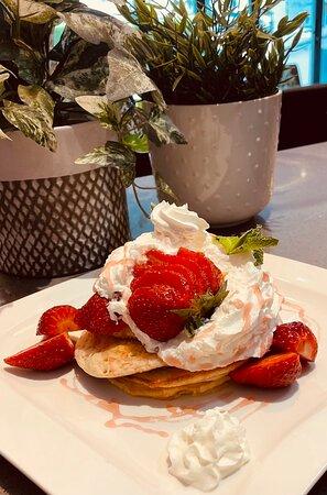 Strawberries & Cream American Style Pancakes