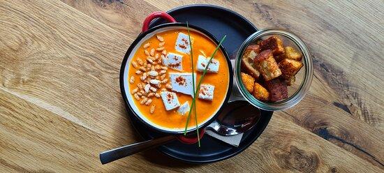 Paprika cream soup