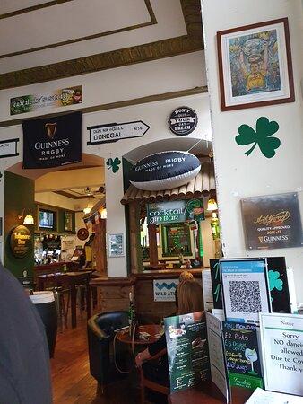 Molly Malones Pub along Victoria Street