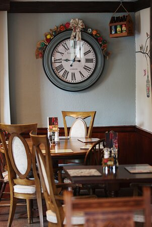 Areas in our restaurant that can accommodate larger groups