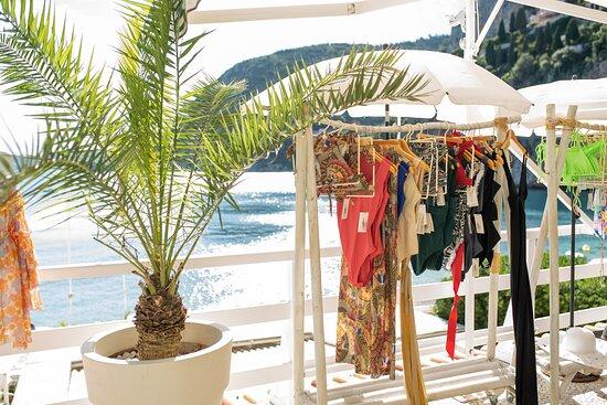 Shop @ La Mala