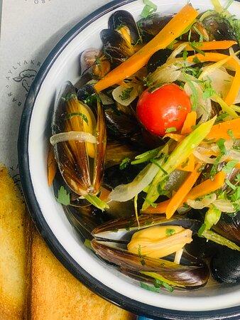 Fresh Black Sea mussels