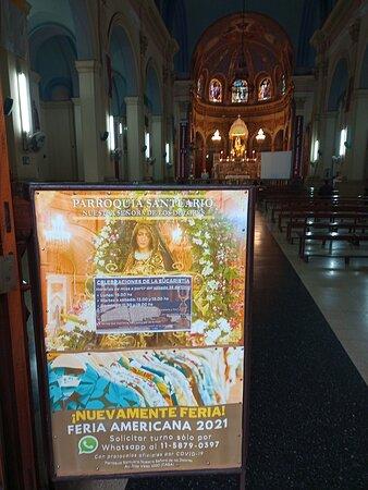 Parroquia Nuestra Señora de los Dolores: frente a Parque Centenario, Barrio de Caballito, Ciudad de Buenos Aires- Argentina 2021.