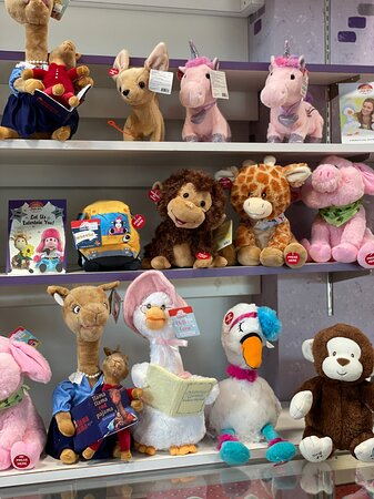 These singing stuffed animals are TOO cute!
