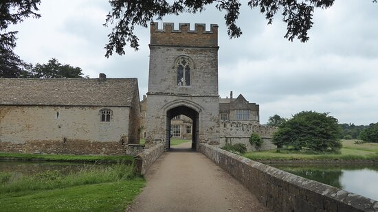 Entry gateway with castle behind