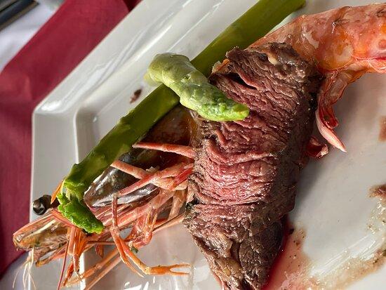 Frischer Fisch & Riesengarnelen & Tomahawk Steak