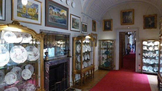 Blenheim Palace Admission Ticket: Beautiful porcelain