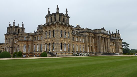 Blenheim Palace Admission Ticket: Palace from grounds