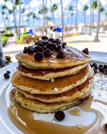 Pancakes for days! Delight in pancakes & waffles available daily in our breakfast buffet.