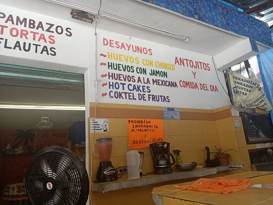 again mexican dishes to point to on wall El Paso restaurant mexican authentic restaurante puerto morelos just off big box store chaderuie