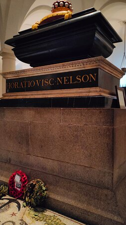9Hr Tour St Paul's Cathedral, London Eye and Churchill War Rooms: Memorial to Admiral Nelson, St Paul's Cathedral