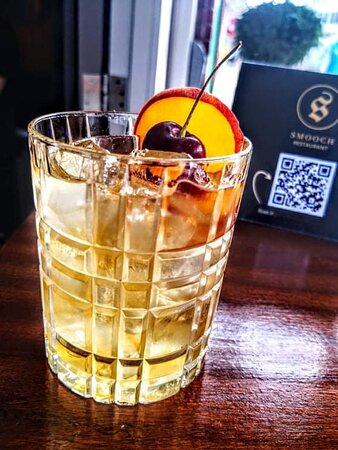 Toasted almond and peach OLD FASHIONED