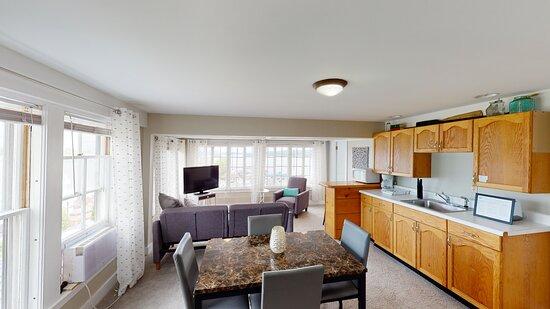 Second Floor Capitain's Suite