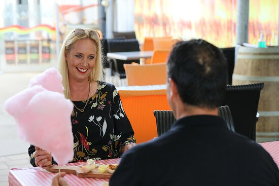 Sarina, Austrália: Big kids love the fairy floss as much as the little kids!