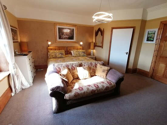 Hay Farm House Bed and Breakfast