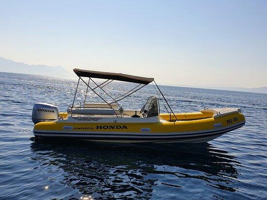 Sumartin rent-a-boat on island Brac speedboat transfers airport, Dalmatia, Croatia