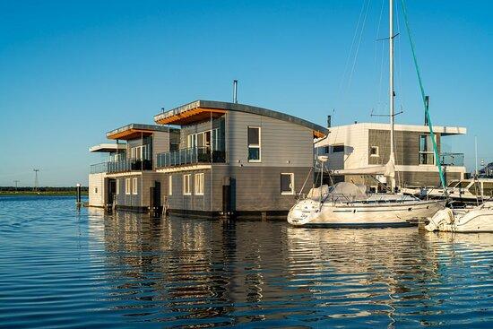Floating Houses BALTIC SEA RESORT