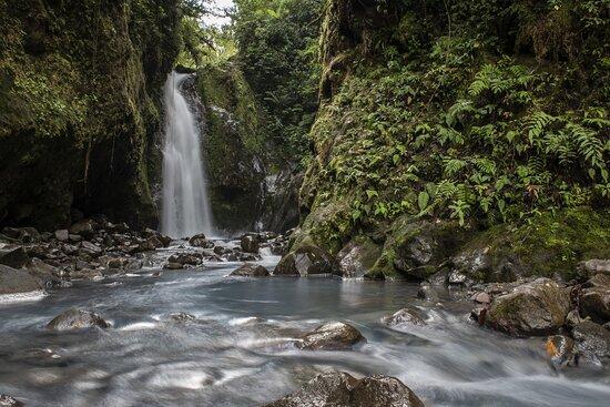 Bajos del Toro, Costa Rica: Las Gemelas