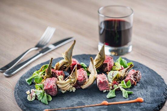 AC Lounge - Beef with Gorgonzola Cheese & Artichokes