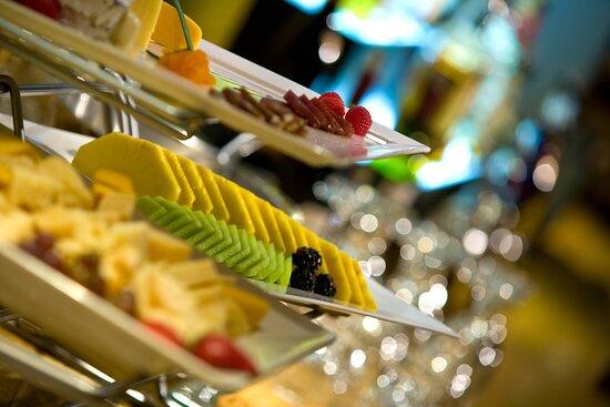 Concierge Lounge - Buffet