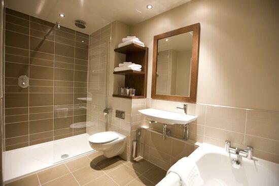Kings Club Bathroom