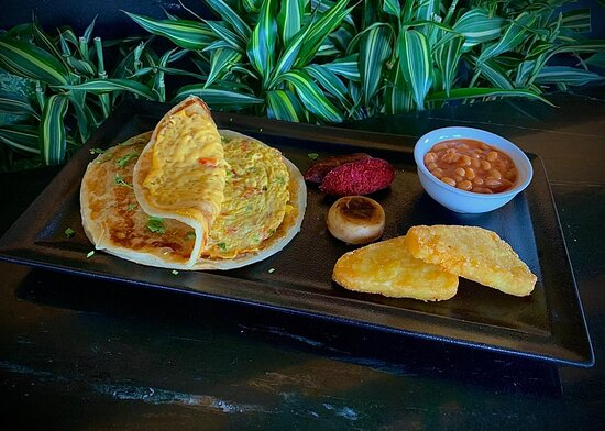 Vegetables and cheese Omelette Paratha