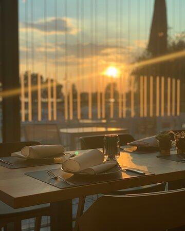 Abendstimmung im ONU Restaurant