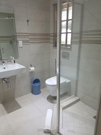 Family unit with separate double bedroom  - Picture of Kuiersaam Gastehuis, Secunda - Tripadvisor