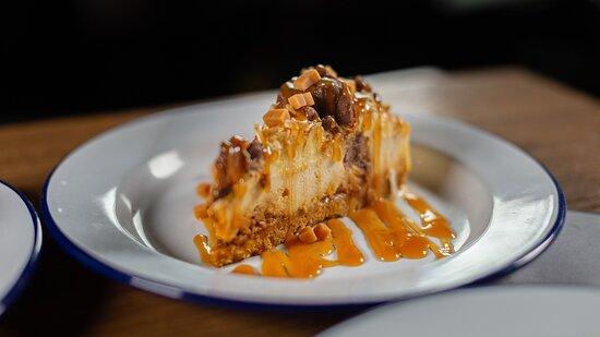 Toffee & Honeycomb Cheesecake