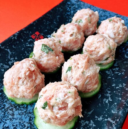 Pork meat ball with coriander ( to be cooked in the soup base)