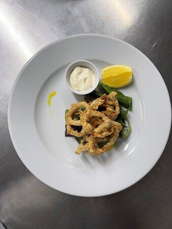 Salt & pepper calamari starter