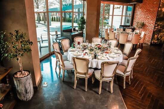 We're able to serve up to 70 guests in the first-floor area. Make your special day more exciting!