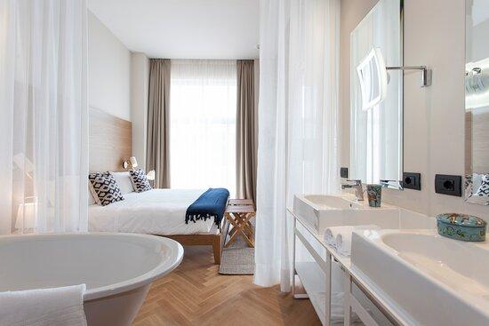 infinity Pool - Picture of Hotel de Charme Laveno, Laveno-Mombello - Tripadvisor