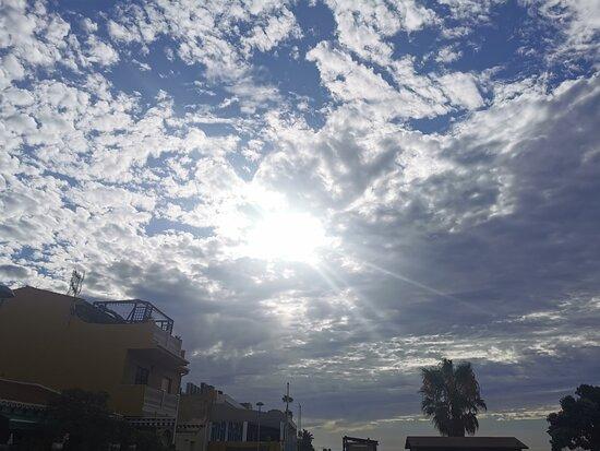 Rincon de la Victoria, Spain: Mañana de nubes y claros.