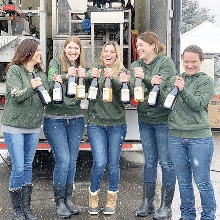 Cairdeas Crew bottling!